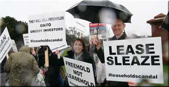 Leaseholders demand end to Redrow selling leasehold houses